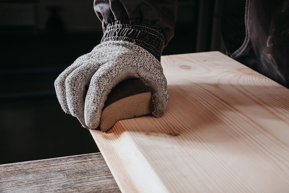 Шлифование вдоль волокон древесины